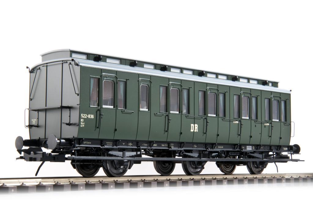 Preussischer Abteilwagen der DR der DDR Epoche III