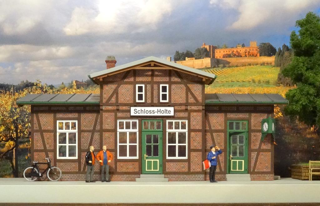 Real Modell Bahnhof Schloss Holte