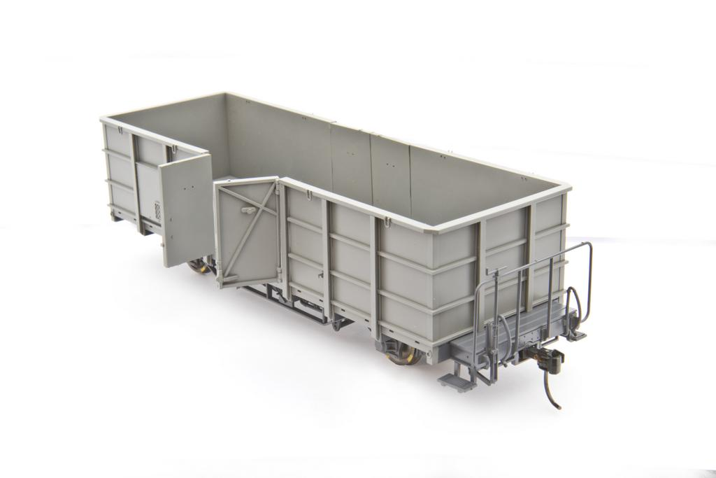 Bemo Hochbordwagen mit zu öffnenden Türen