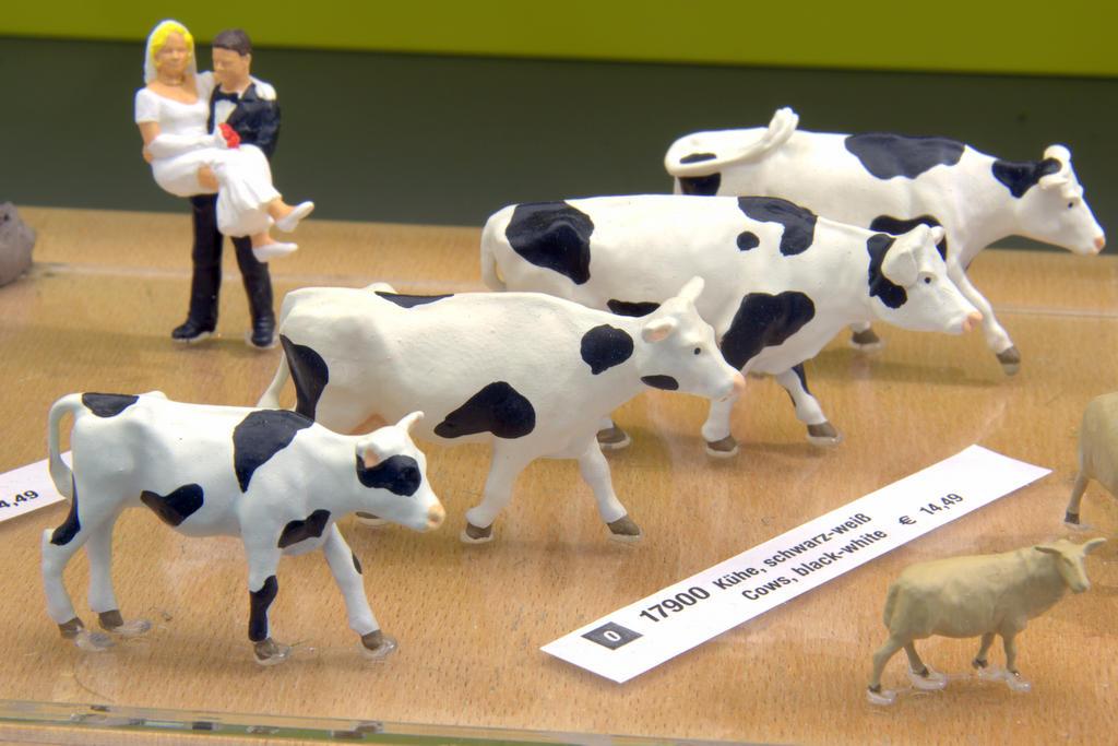 Noch Figuren Kühe