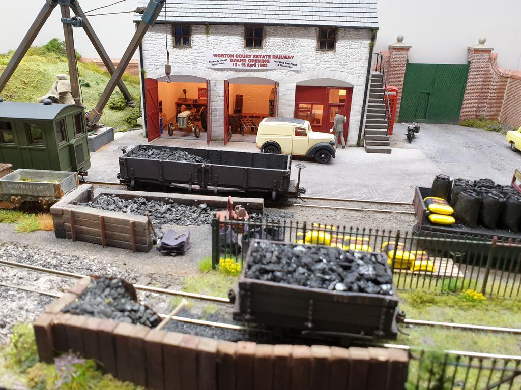 Worton Court Estate Railway_1
