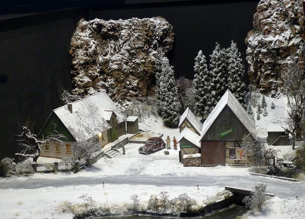 Müllers Bruchbuden Diorama