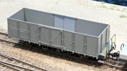 Bemo Hochbordwagen mit Bretterwänden