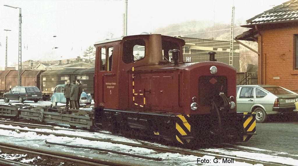 Diesellok MV8 Orenstein Koppe mit Rollwagen