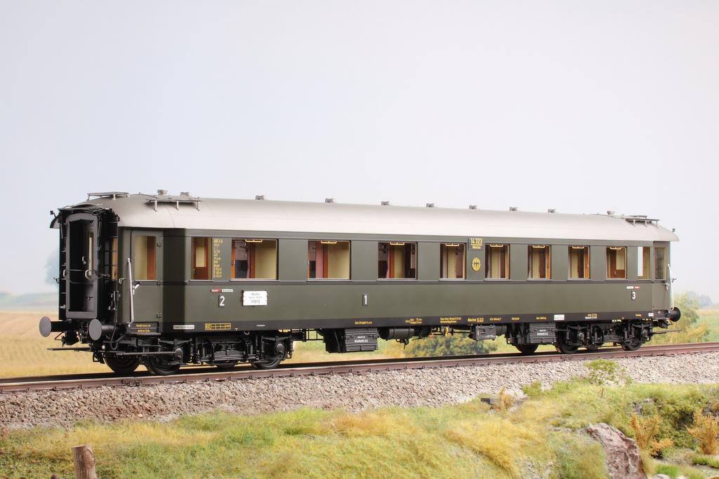 KM1 D36 Schnellzugwagen